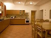 Společné prostory - apartmán k pronajmutí Vlčatín
