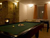 Společné prostory - apartmán k pronájmu Vlčatín
