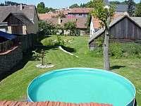 Venkovní bazén - chalupa ubytování Heřmanov