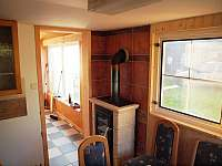 Kuchyně s krbovými kamny - Lesonice