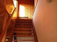 Schody do podkroví - chalupa ubytování Lesonice