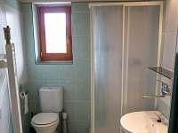 Ap1 koupelna se sprchou a WC
