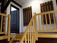 Schodiště u apartmánů