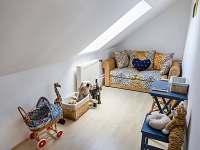 dětský pokoj nahoře
