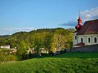 kostel a zámek v Dalečíně -