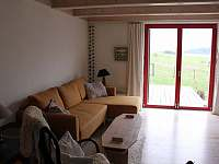 Obývací prostor - chalupa ubytování Sněžné