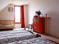 Pokoj v patře vlevo - Sněžné