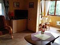 obývací místnost - pronájem chaty Skála u Havlíčkova Brodu
