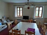 Obývací pokoj - pronájem chalupy Nový Rychnov - Trsov