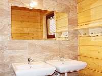 koupelna - pronájem srubu Hluboká u Krucemburku