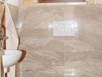 WC v přízemí - Hluboká u Krucemburku