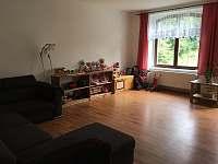 společenská místnost - apartmán k pronajmutí Rohozná