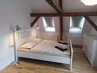 Apartmán v podkroví - ložnice pro 4 osoby - Vojnův Městec