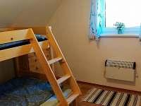ložnice - 2 lůžka - chata k pronájmu Karlov