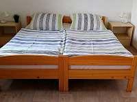 ložnice - 4 lůžka - pronájem chaty Karlov