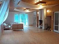 Společenská místnost- Sál věčného bytí - chata k pronajmutí Kralice nad Oslavou - Velké Pole
