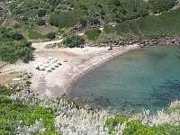 zátoka mezi skalami - Sardinie