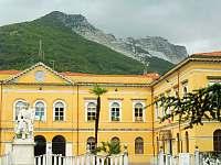 Privatni skolka v Carrare - Toskánsko