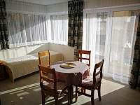 obývací pokoj s přistýlkou - apartmán ubytování Tux - Rakousko