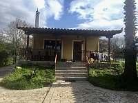 Vchod do domu, terasa