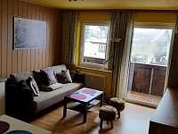 Obývák s rozkládacím gaučem - pronájem apartmánu Bad Gastein - Rakouské Alpy