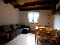 Obývací pokoj - chata k pronájmu Mrákov - Mlýneček