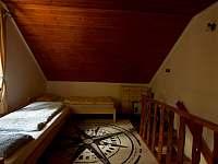 Průchozí ložnice - chata k pronájmu Mrákov - Mlýneček