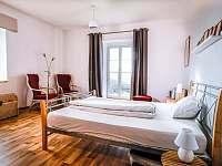 Ložnice - pronájem apartmánu Smederov