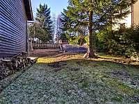zahrada - chalupa k pronajmutí Hřebečná