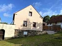 Pohled na dům - chalupa ubytování Manětín - Brdo
