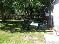 zahrada - chalupa k pronájmu Újezd u Svatého Kříže