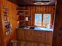 kuchyň - chata k pronajmutí Pňovany - Valečkův Mlýn