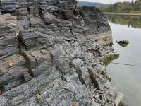 profil břehu (foceno při nízké výšce hladiny vody) - Pňovany - Valečkův Mlýn