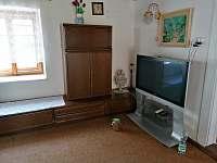 televize ve společenské místnosti - Skalná