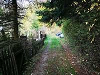 Příjezdová cesta - chata k pronájmu Fojtov