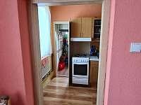 kuchyň - chalupa k pronajmutí Žihle