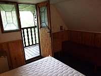 Podkroví-pohled z ložnice na balkon