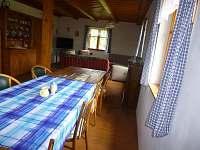 Jídelna a obývák - chalupa ubytování Netunice