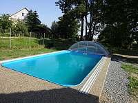 Chalupa Racov bazén s otevřeným zastřešením
