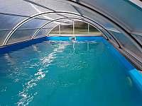 Chalupa Racov bazén zevnitř