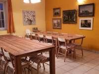 Chalupa Racov - Obývací pokoj jídelní stoly -