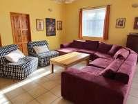 Chalupa Racov - Obývací pokoj sedací souprava - k pronajmutí