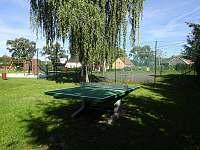 Chalupa Racov - stolní tenis naproti domu -