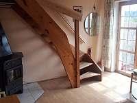 Obývací pokoj - chalupa k pronajmutí Rabštejn nad Střelou