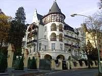Loket u Karlových Varů - chata k pronájmu - 33