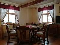 jídelní kout pro 6 osob - chalupa ubytování Kamýk u Švihova