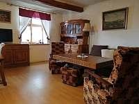 obývací pokoj - chalupa k pronájmu Kamýk u Švihova