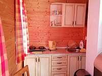 Kuchyňka - chatky k pronajmutí Butov