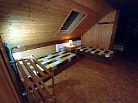 Apartmán B - pokoj (4 lůžka) - chalupa k pronajmutí Hleďsebe - Bystřice