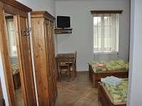 Pokoj 1 v přízemí - chalupa k pronajmutí Česká Bříza